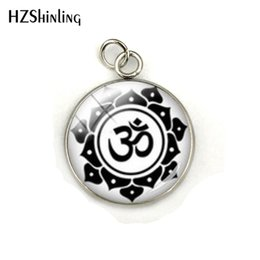 $enCountryForm.capitalKeyWord Australia - Wholesale New Arrival Om Meditation Mandala Yoga Sign Dome Stainless Steel Plated Charms Hand Craft Jewelry Glass Cabochon Pendants Gifts