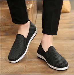 Men's Breathable Summer Shoes Australia - 2019 The new summer fashion casual men s breathableOld Beijing cloth shoes shoes, European and American style breathable mesh shoes