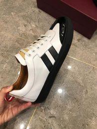 $enCountryForm.capitalKeyWord Australia - New arrival Low price Men's Fashion Casual Shoes Men casual shoes,Breathable casual shoes,Casual shoes size: 38-44 Hot Sale Promotional