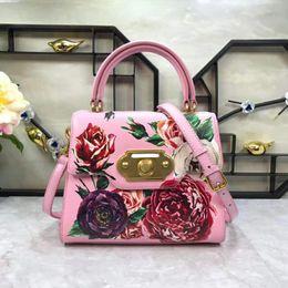 $enCountryForm.capitalKeyWord Australia - 2019 New European and American Wind Printed Leather Handbag Tooth Bag Slant Bag Fashion Women's Bag
