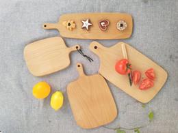Venta al por mayor de Tablas de cortar de madera Plato de fruta Bloques de cortar de madera enteros Haya Hornear Herramienta de tablero de pan Sin agrietamiento Deformación 25hn4 D1