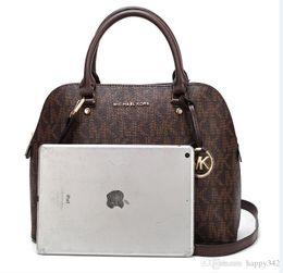 Ingrosso Hot Wholesale 2019 nuova borsa croce modello in pelle sintetica shell catena borsa a tracolla Messenger Bag Fashionista 225 #