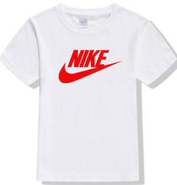 Meninos e meninas t-shirt NIK verão de mangas curtas 2020 nova carta padrão de meia-luva das crianças impressão de algodão menino grande maré A 02 em Promoção