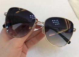 $enCountryForm.capitalKeyWord Australia - luxury- 54 Fashion Women Designer Sunglasses Wrap Sunglass Square Frame UV Protection Lens Carbon Fiber Legs Summer Style Top Quality Case
