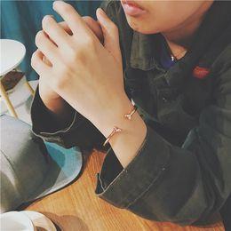 $enCountryForm.capitalKeyWord NZ - Luxury Designer Jewelry Women Men Bracelets silver charms Accessories Mens Fashion Style Casual Military Wholesale Bracelets