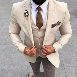 $enCountryForm.capitalKeyWord Australia - Fashionable One Button Groomsmen Peak Lapel Groom Tuxedos Men Suits Wedding Prom Dinner Best Man Blazer(Jacket+Pants+Tie+Vest) A125
