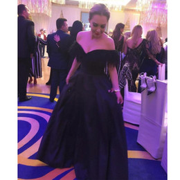 celebrity evening skirts UK - Simple Dark Navy Feather Prom Dresses Off the Shoulder Puffy Satin Skirt Formal Party Gowns Floor Length Women's Celebrity Evening Dresses