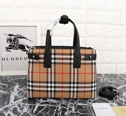Leather Badminton Bag NZ - Tide Plaid B Letter Leather Tote Bag Equestrian Style Handbag 3 Colors Womens Fashion Purse Girls Shopping Bag Ins Best Selling