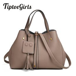 Best Design Handbags Australia - Tiptoegirls Leather Women Handbag New Fashion National Design Handbag Tassel Portable Shoulder Bag Best Design