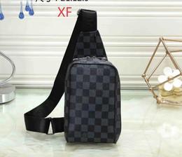 a68186dcf 2019 Best selling explosão SUP carta de marca bolsa moda casual Messenger  bag hip hop saco de desporto tendência bolsa de ombro livre de compras