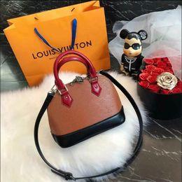 $enCountryForm.capitalKeyWord Canada - Classic Flap bag women's Plaid Chain bag Ladies badge Handbag Fashion designer purse Shoulder Messenger bags High quality purse wallets B011