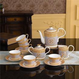 venda por atacado De estilo europeu, clássico de café cerâmica Define Bone China Coffee Pot Copos Pires Set 15 Pcs dom conjuntos de chá de porcelana Set Housewarming