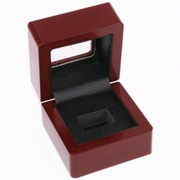 $enCountryForm.capitalKeyWord Australia - Factory Wholesale Price One slot Clear Top Championship Ring Wooden Display Box Drop Shipping