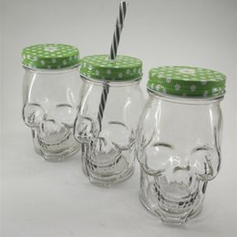 Glass Juice Cup Lid NZ - Wholesale Creative SKull Shaped Mug Cold Drinking Bottles 500ml 300ml Skull Straw Glass Mug With Lid Mason Juice Drink Cup DH1189-2 T03