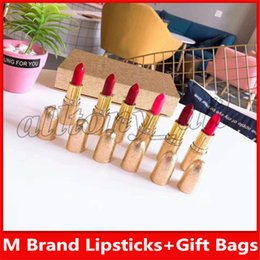 $enCountryForm.capitalKeyWord Australia - Luxury M Brand Lip Make Up Lipsticks 6 Colors with a Gift Bags and High Quality Nice Smell