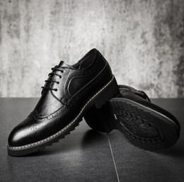 $enCountryForm.capitalKeyWord Australia - New Top Quality Leather Men Brogues Shoes Lace-Up Bullock Business Dress Men Oxfords Shoes Male Formal Shoes d2a26