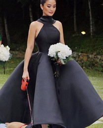 $enCountryForm.capitalKeyWord Australia - 2019 New Latest Runway Evening Dresses Halter High Neck Backless Big Bow Ankle Length Satin White Black Prom Party Red Carpet Gowns Vestidos