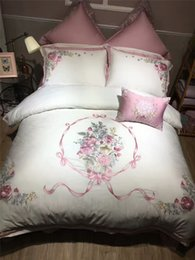 Elegant Queen Size Bedding Sets Australia - Luxury elegant embroidered 100% cotton 4 7pcs bedding set King Queen size white bed bedsheet flat sheet duvet cover