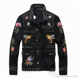$enCountryForm.capitalKeyWord Australia - Rivet Mens Designer Jean Jackets Fashion Embroidery Badge Patch Designs Single Breasted Jackets Fashion Mens Clothing