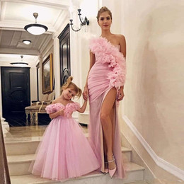 Picture Dress Mother Daughter Australia - Modest Sheath Evening Dresses One Shoulder Side Split Pleat Evening Party Gowns Vestidos De Fiesta Mother and Daughter Formal Evening Dress