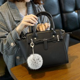 $enCountryForm.capitalKeyWord Australia - 2019 spring and summer new   simple women's bag European and American fashion platinum bag   ladies hand shoulder shoulder Messenger bag   b