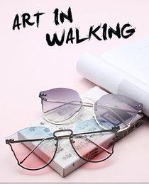 $enCountryForm.capitalKeyWord Australia - The new 2019 hot-bar sunglasses are elegant, frameless and metallic cut - edge sunglasses