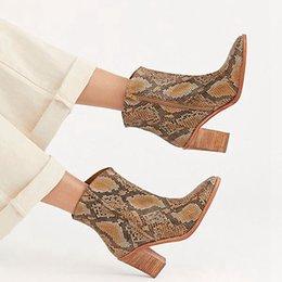 Vente en gros Lasperal Femmes Bottes À Glissière Snake Imprimé Bottines Bottines Talon Carré De Mode Bout Pointu Dames Chaussures Sexy Belles Nouvelles Bottes