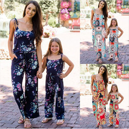 $enCountryForm.capitalKeyWord Australia - Fashion Family Matching Clothes Summer Mother Rompers Girl Women Floral Jumpsuit Mom Baby Girl Party Clothes