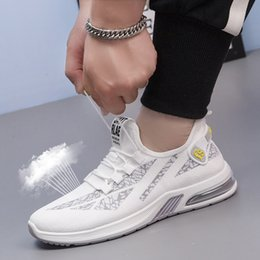 korean rubber shoes trends UK - Shoes Men Korean Trend 2020 Summer New Men's Tennis Shoes Breathable Sports Mens Soft Sole Sneakers Wear-resistant Casual