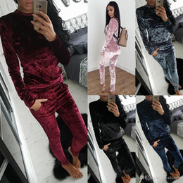 jogger outfit women NZ - Women;s 2 Pieces Soft Velvet Sweatsuits Set Hoodie & Pants Tracksuits Outfits Casual Athletic Joggers Jog Set