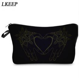 $enCountryForm.capitalKeyWord Australia - 2019 Love Heart Pattern Women Clutch Cosmetic Bag Make Up Organizer Fashion Women Printing Multifunction Portable Makeup Bags