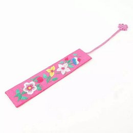 Chinese  Traditional Chinese Gift Style Embroidery Bookmark Fabric Cloth Chinese Knot Bookmarker Party Favor Free Shipping 40pcs manufacturers