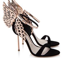 $enCountryForm.capitalKeyWord NZ - New Summer Fashion Women Golden Hollow Wing Butterfly Tie High Heel Sandals Sexy Black White Open Toe Iron Heel Buckle Sandals Women Pumps