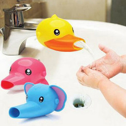 Wholesale 1 pc Happy Fun Animals Faucet Extender Baby Tubs Kids Hand Washing Bathroom Sink Gift Fashion and Convenient