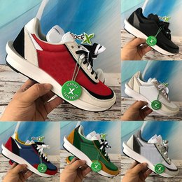 Discount 5.5 shoes New black nylon Sacai LD waffle men casual shoes white blue green pine summit Travis Scotts triple women designer sneake