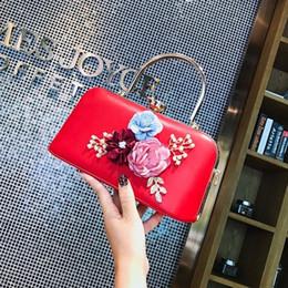 $enCountryForm.capitalKeyWord NZ - New Diamonds Envelope Women Leather Handbag Girls Party Gift Messenger Clutch Purse High Quality Shoulder Tote 3D Flower Handbag