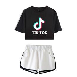 BTS Tik tok software 2019 New Summer Kpops conjunto de dos piezas de dos piezas Shorts y ropa encantadora camisetas Venta caliente Harajuku Imprimir en venta