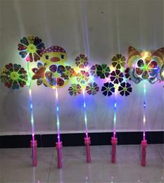 Discount flashing windmill toys - Led Windmill Plastic Toys with Handle Pinwheel Night Lights Lighting Flashing Light Up Cartoon Animal Windmill For Prese