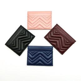 Moda de alta qualidade do couro genuíno de onda Homens clássico Mulheres Zig Zag cartão de crédito real de couro Cartão de Banco Titular Mini Carteira Com Box em Promoção
