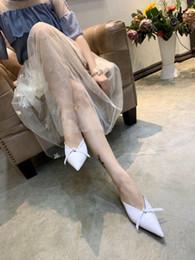 $enCountryForm.capitalKeyWord NZ - New Summer Style Patent Leather Women Kitten Heels Sandal Mules Shoes Bowtie Woman Slipper Black White