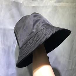 Four Seasons Tampão dos homens Moda Stingy Brim Chapéus com teste padrão da cópia respirável Casual cabidos chapéus da praia com letras Opcional de alta qualidade em Promoção