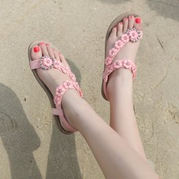 2019 nouvelle mode femmes été chaussures Bohême Diamond Flower couleur unie slip-on talons bas appartements plage lady sandales, plus la taille 42