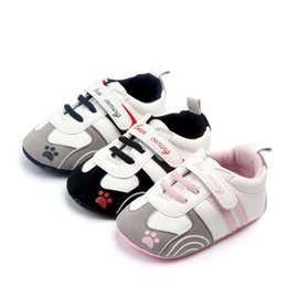 $enCountryForm.capitalKeyWord Australia - Fashion New baby shoes PU Leather First walker shoes soft sole Newborn Girls boys sneakers Infant Prewalker All season gear Shoes