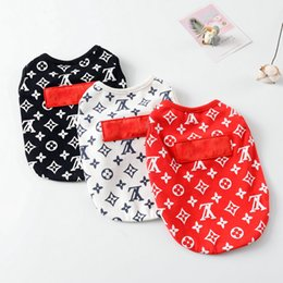 Wholesale Teddy Puppy Pet Dog Apparel Fashion Letter Printed Small Pet Vest Cute Cat Dog Cotton Vests Pet Supplies