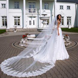 $enCountryForm.capitalKeyWord Australia - Fashion Cheap Wedding Veils With Lace Appliqued Edge 2.5M Long Chapel Length Bridal Veil Tulle Free Comb For Women Hair Accessories