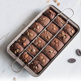 professional pans UK - Professional Bakeware 18 Cavity Baking Tools Easy Cleaning Square Lattice Chocolate Cake Mold Brownie Baking Pan Non-Stick T200111