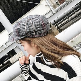 33f032319e8a0 Line Grid Painter Caps 2018 New Arrival Women s Berets Hat Autumn Winter  Warm Fashion Duck Tongue Hats Czapka Zimowa