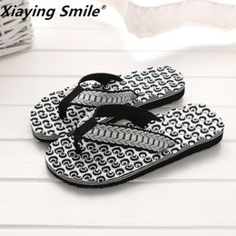 soft fit shoes Australia - British style shoes Cool Flip Flops for loose-fitting beach slippers rubber flip-flops men sandals Non-slip T200408