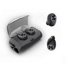 Venta al por mayor de Auriculares inalámbricos deportivos caja de carga del banco de potencia tws 5.0 auriculares