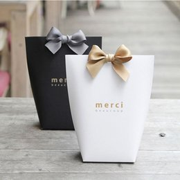 """Wholesale Boxes Packaging Australia - 20pcs Black White Kraft Paper Bag Bronzing French """"Merci"""" Thank You Gift Box Package Wedding Party Favor Candy Bags with Ribbon"""
